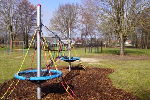 Kinder-Spielplatz-Sandkasten-Schaukel-Spass-Harz II
